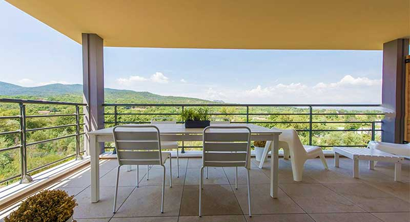 Beautiful villa with swimming pool and garden in Roquebrune sur Argens