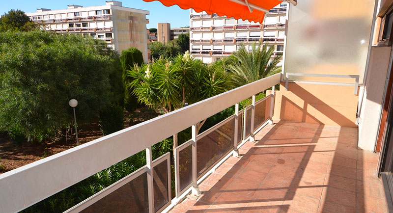 Sainte Maxime - Modern top floor apartment with a sea view